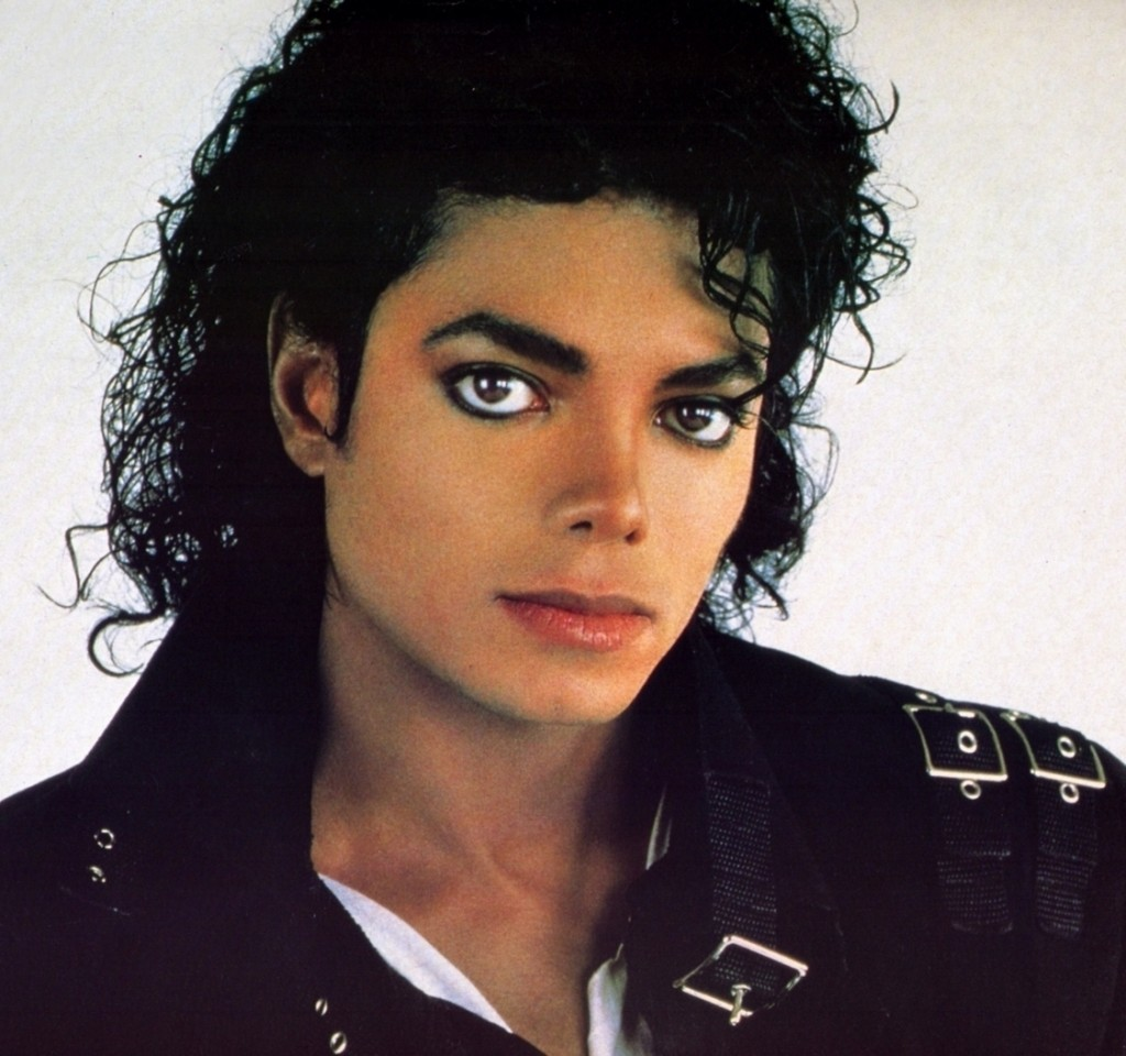 Michael-Jackson-in-Black